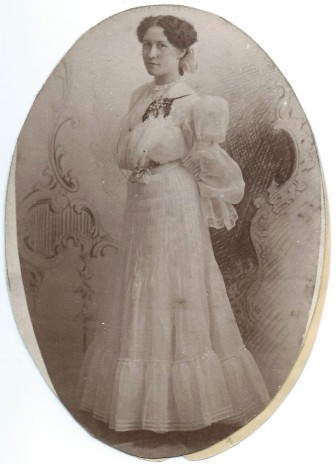 A female graduate in 1896.